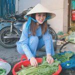 越南連賣菜斗笠正妹也超美!大眼甜笑讓人戀愛感十足:這次該朝聖了吧?